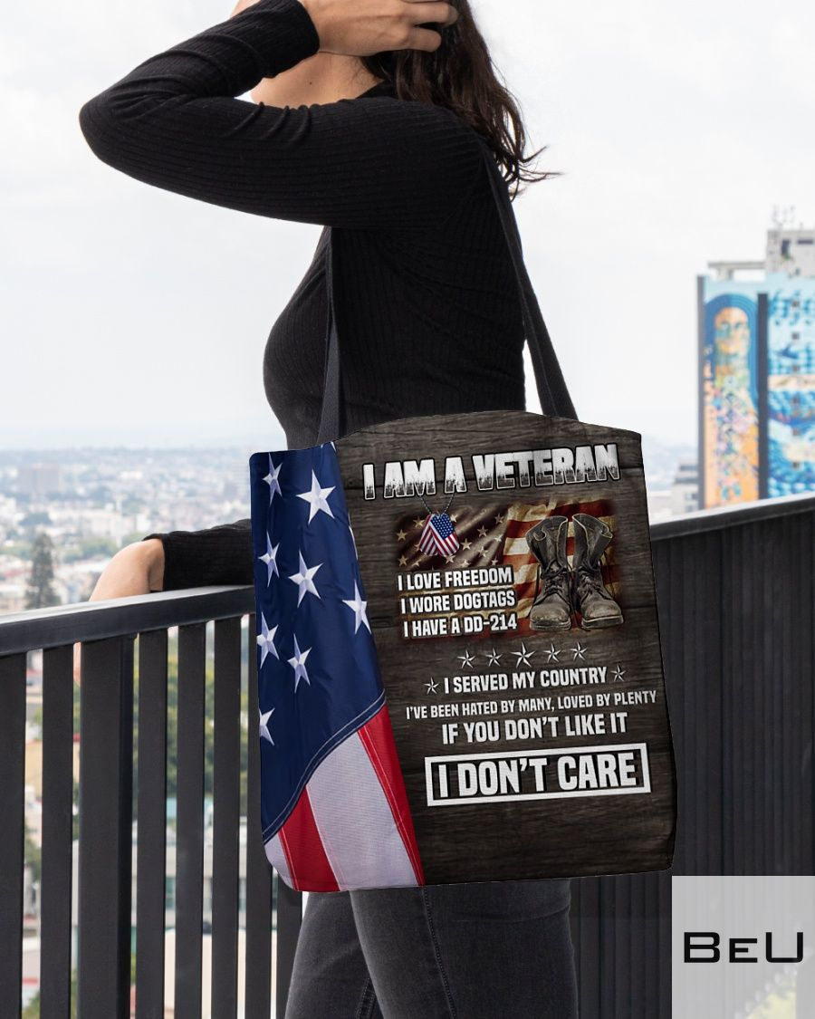 I am a veteran I love freedom I wore dog tags I have a DD-214 tote bag3