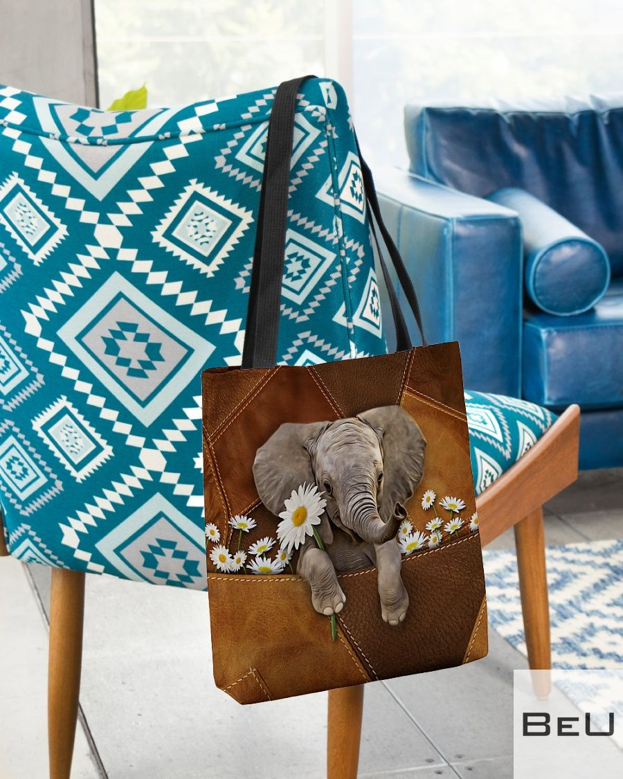 Cute Elephant With Daisy Leather Tote Bagz