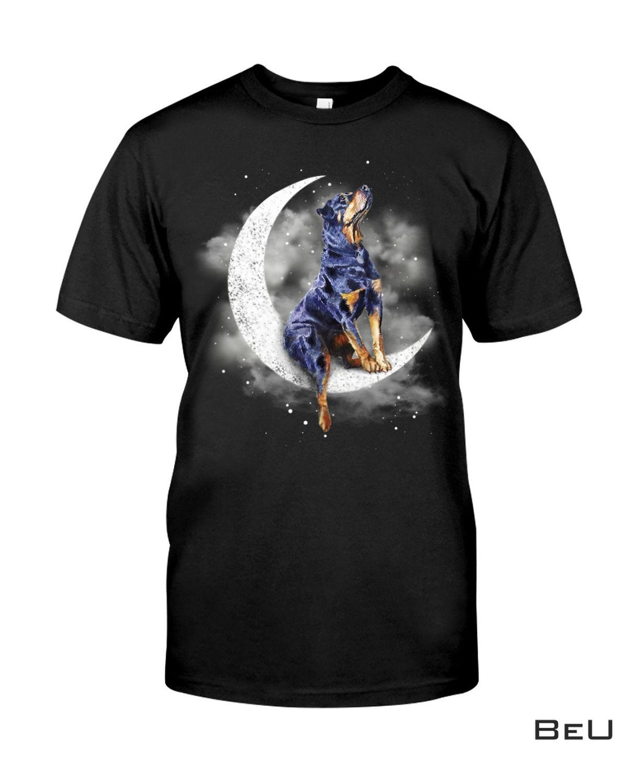 Rottweiler Sit On The Moon Shirt